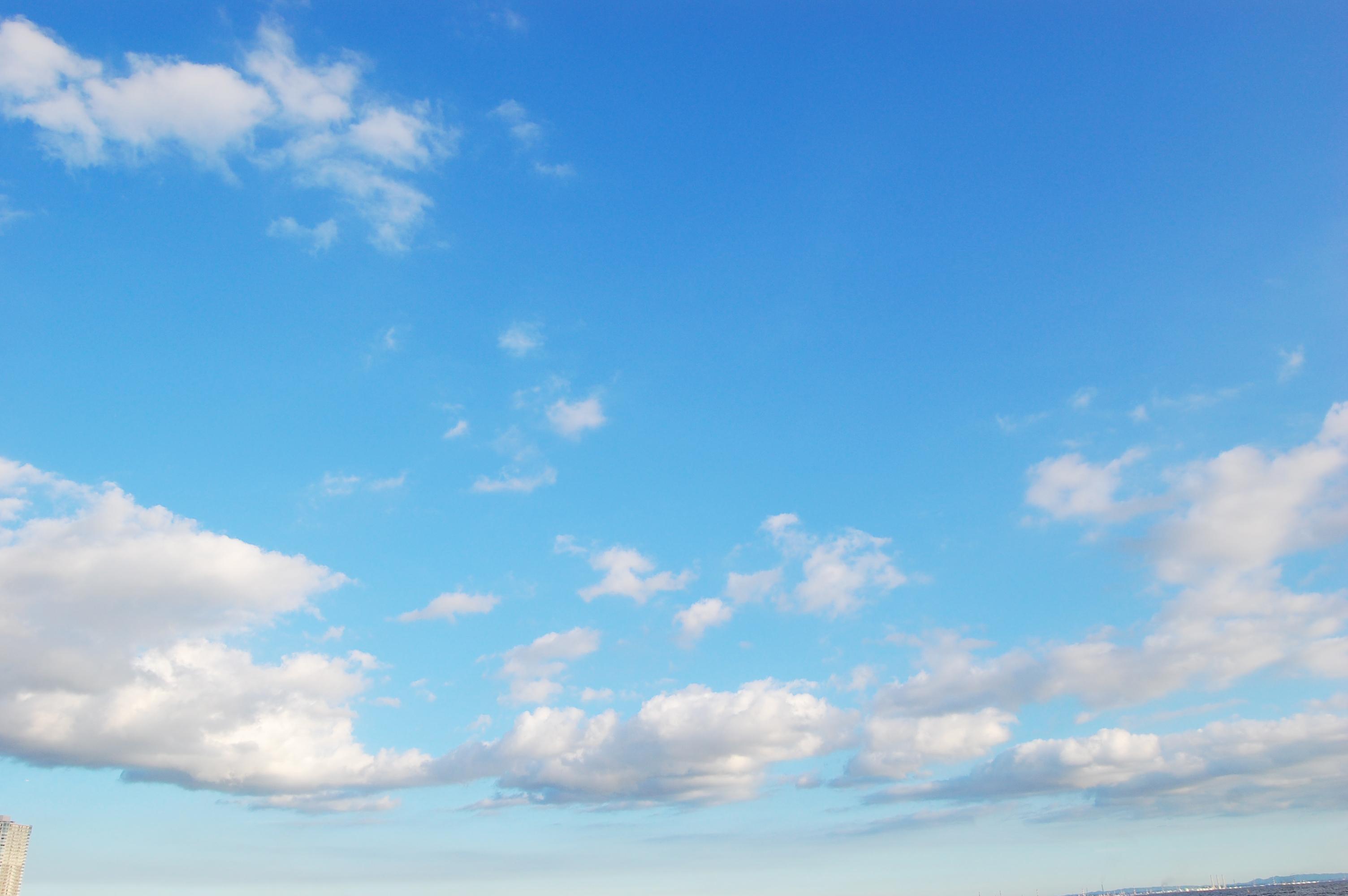 青空と雲 夏空 フリー素材ドットコム